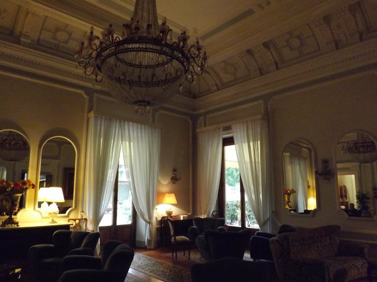 Hotel Royal: Sitting Room