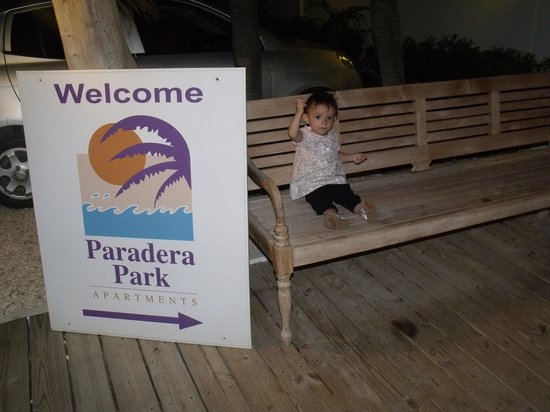 Paradera Park Aruba: mi baby sitting outside
