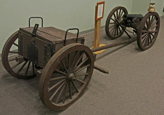 Old Bardstown Village Civil War Museum: Cannon belong to Mosby's Rangers