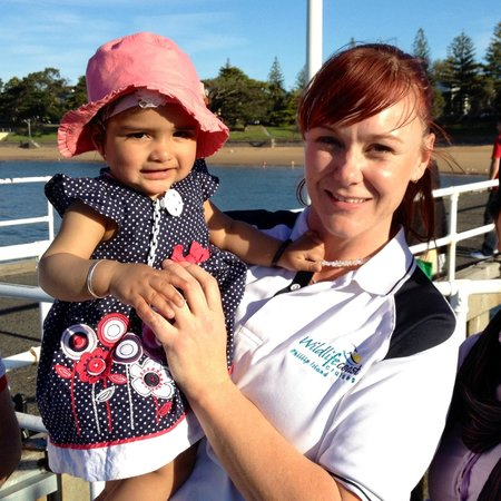 Wildlife Coast Cruises: Crew member Mel looking after the kids