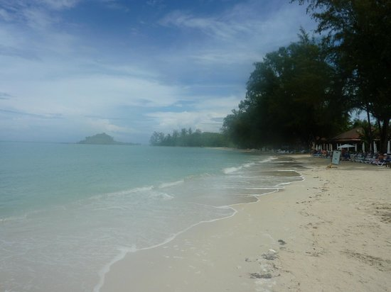 Royal Muang Samui Villas: Choengmon Beach in front of Muang Samui Villas & Suites