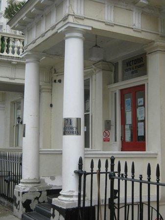 Astor Victoria Hostel : Entrada al hostel
