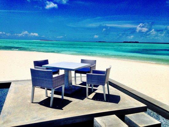 Four Seasons Resort Maldives at Landaa Giraavaru: Blu restaurant