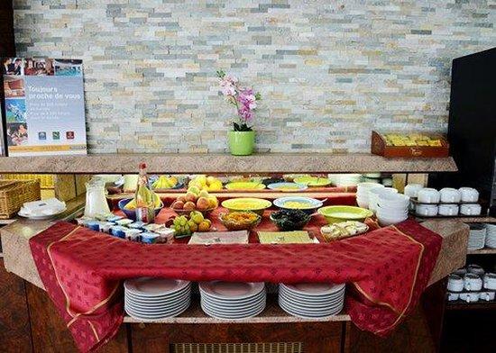 Comfort Hotel Chelles Marne-La-Vallee : breakfast area