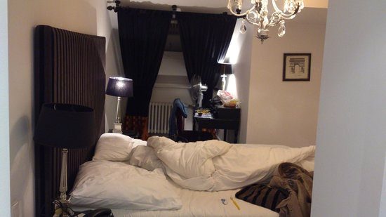 Aleksandra Hotel: Room