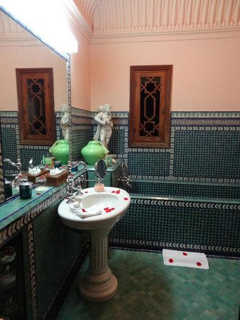 Dar Ayniwen Villa Hotel : Our Bathroom