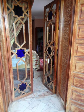Dar Ayniwen Villa Hotel: The beautiful doors