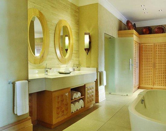 Saxon Hotel, Villas and Spa: Saxon Executive One Bedroom Suite Bathroom