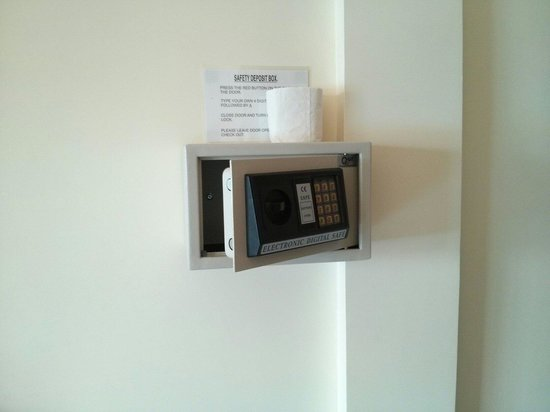 Velkommen Boutique Villa: Safety box for the paranoid.