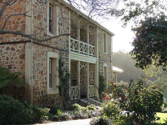Grand Mercure Basildene Manor: Manor exterior