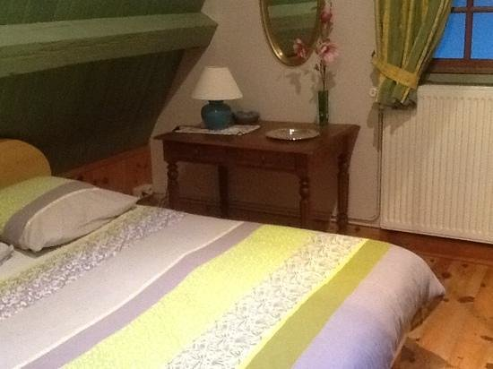 Le Puits Brunet : chambre 2 per.