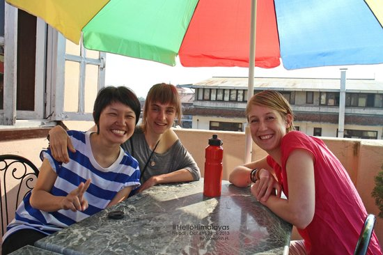 The Happily Ever After Hostel: having free breakfast with my roommates at the roof top terrace!