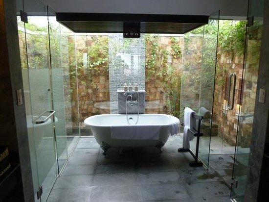Ana Mandara Hue: 浴槽