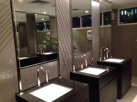 Centara Watergate Pavillion Hotel Bangkok Lobby Toilet