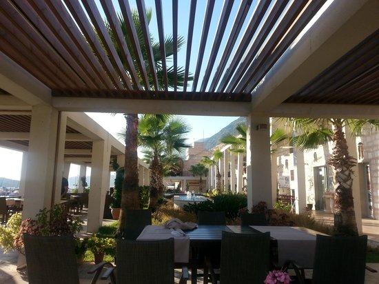 Vati Cafe Bistro: Dış Mekan