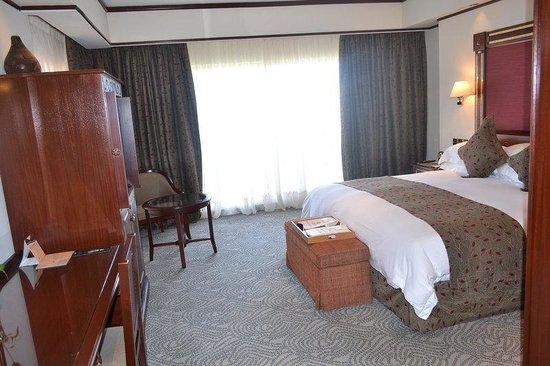 Kampala Serena Hotel: Bedroom