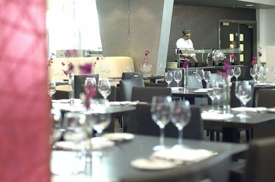 Crowne Plaza Manchester City Centre: Dine in style at the Glasshouse Restaurant & Bar