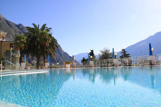 Hotel Riviera: piscina
