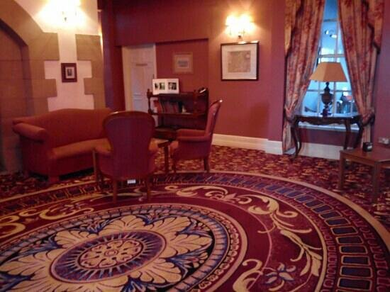 Crabwall Manor Hotel & Spa: lounge area