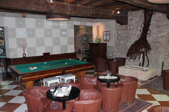 Palazzo Victoria : The Cool Bar