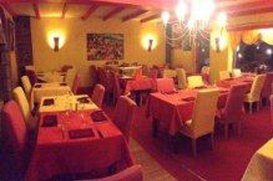 La Piazza Pizzeria : salle