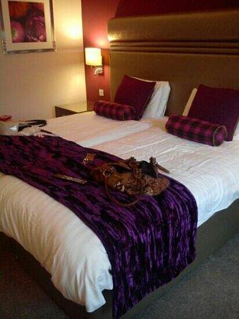 Crabwall Manor Hotel & Spa : twin bedroom