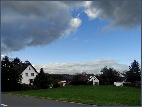 BEST WESTERN Hotel Bonneberg: Улочка рядом с отелем - очень тихое место