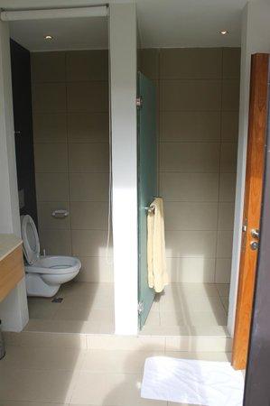 Belle Haven: Bathroom
