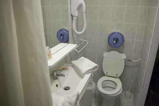 Hotel Le Carnon : Un peu petit mais très propre!