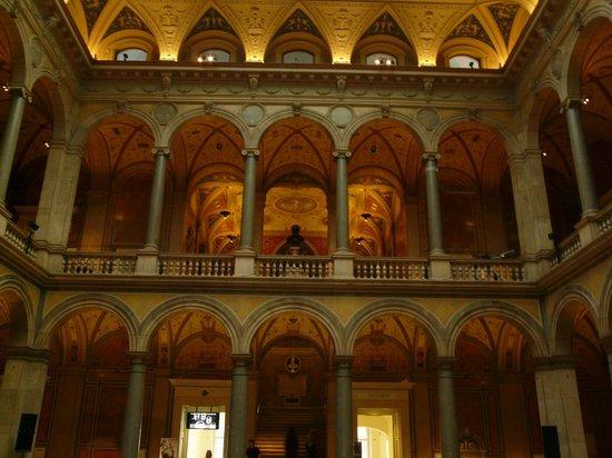 MAK - Austrian Museum of Applied Arts / Contemporary Art: Halle d'entrée