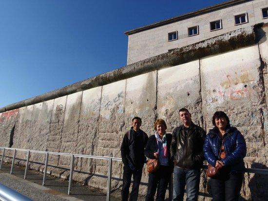 Berlin on Bike: Berlijnse muur