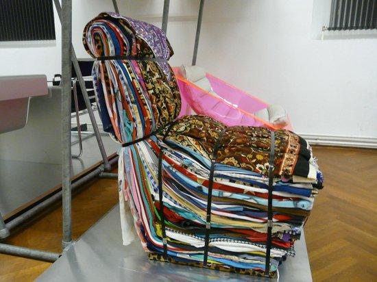 "MAK - Austrian Museum of Applied Arts / Contemporary Art : Fauteuil ""expérimental"""