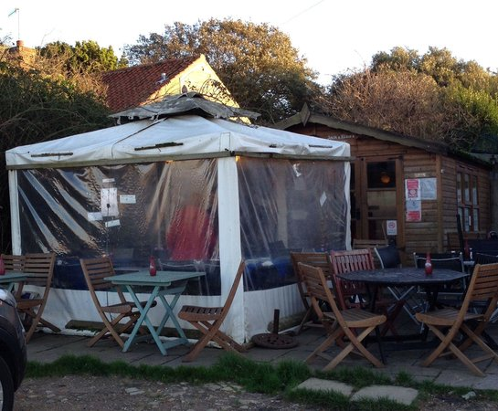 Cookie's Crab Shop : Gazebo and Shed.