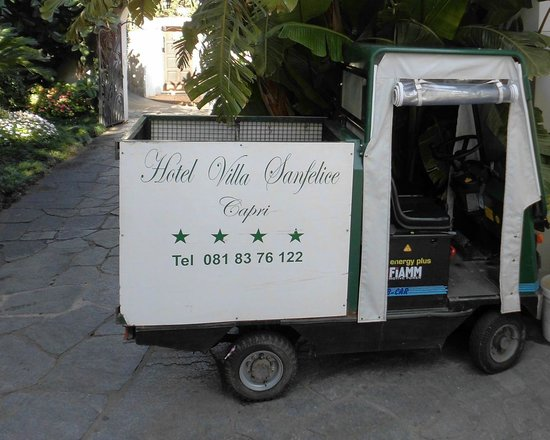 Hotel Villa Sanfelice: Baggage service available if required to - from villa