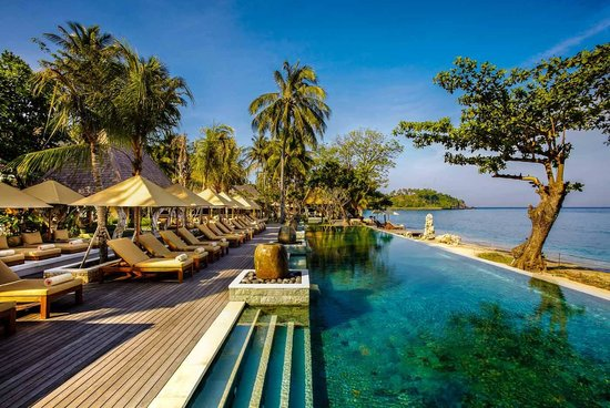 Mangsit, Indonesien: 2nd 30 meter infinity pool in front of the beach