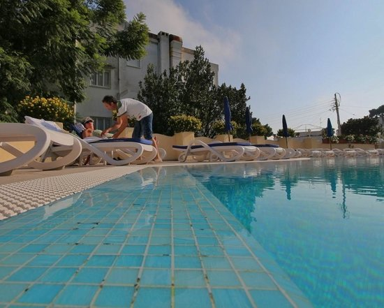 Hotel Villa Sanfelice : Poolside service is available
