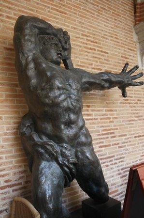 Fondation Bemberg : Sculpture se trouvant dans l'espace salon de thé
