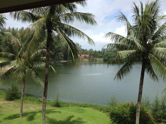 Outrigger Laguna Phuket Beach Resort : Laguna view