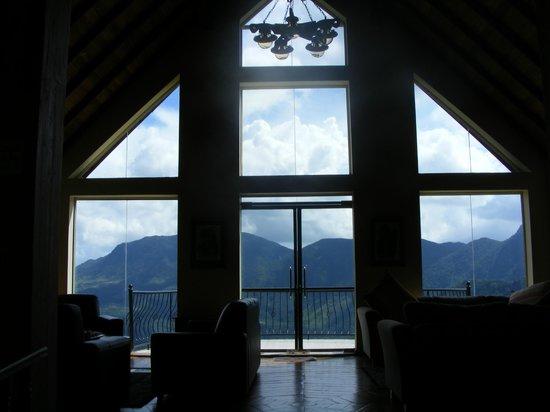 Dumbanagala Chalet: Nice view of mountains