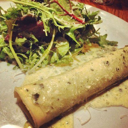 La Rue: Novel to have Cannelloni for starter .. Excellent choice!