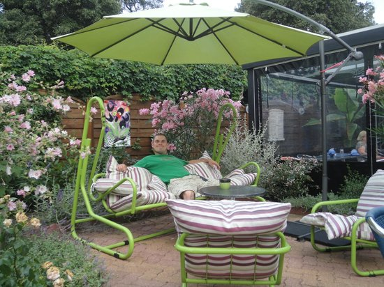 Hotel La Roseraie : Outdoor garden