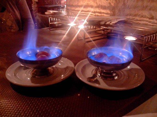 Achiana : gâteau indien flambé