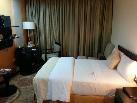 Best Western Premier Accra Airport Hotel : Bed room