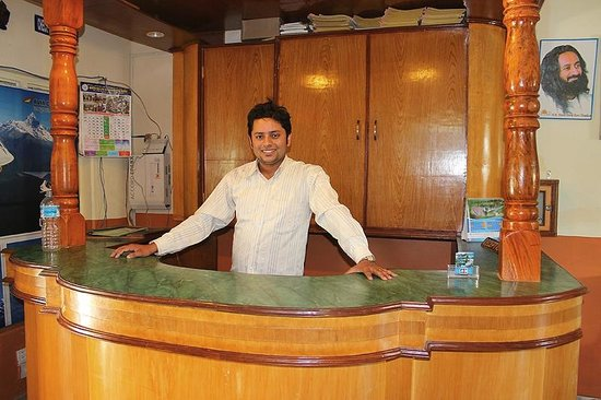 Hotel Grand Holiday: Mr Ramesh