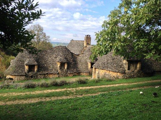 Les Cabanes du Breuil: le corps de ferme