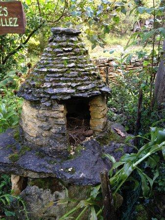Les Cabanes du Breuil: cabane à oiseaux