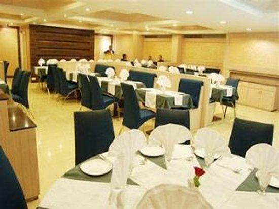 Hotel President: Woodlands Restaurant