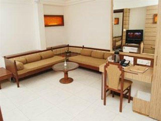 Hotel President: Suite Room