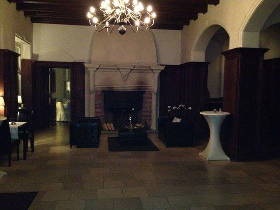 Schloss Kartzow: Lobby - Kaminzimmer