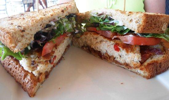 Coastal Kitchen and Raw Bar : Crabcake BLT